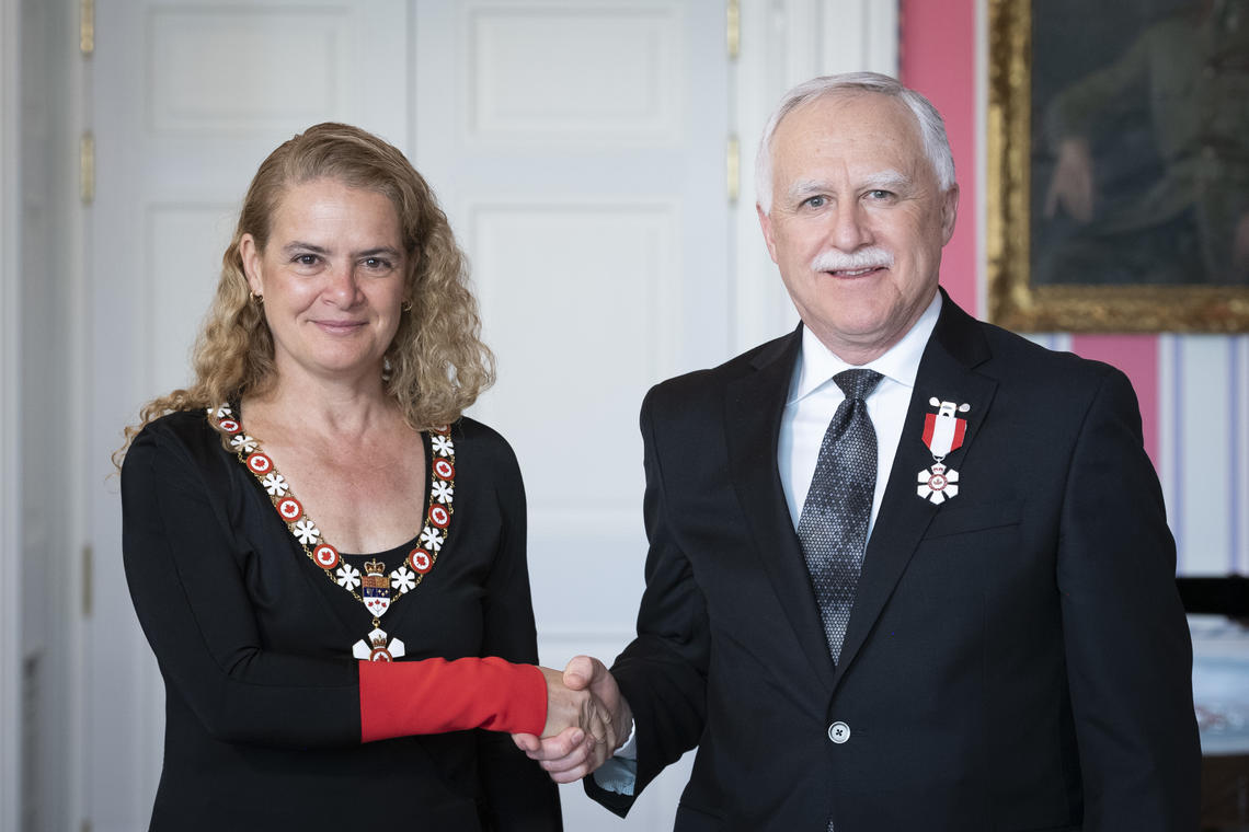 Governor General Julie Payette invests University of Calgary professor John Conly as a Member of the Order of Canada at the May 8, 2019 ceremony in Ottawa.