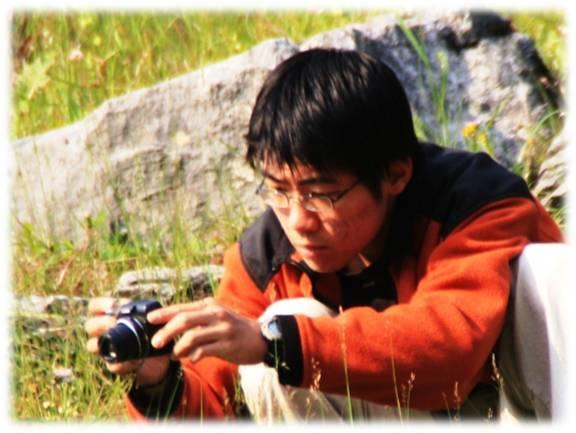 Yu enjoys photography in his spare time.