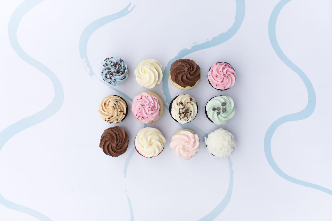 Spruce up a party with trays of cupcakes