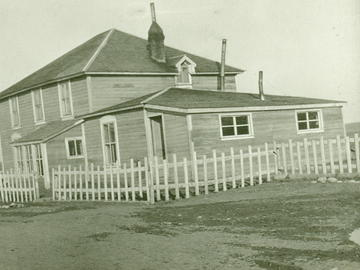 Principal's Residence, Blood Reserve, Alberta. – 1920. The General Synod Archives, Anglican Church of Canada. P7538-651