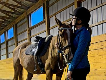 Nicole's horse is able to sense when she is having an aura (momentary seizure), and will stop moving until the aura has passed.