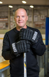 """Gout forced Shannon Pelley to give up hockey for awhile: """"It felt like someone was poking a knife in my foot."""""""