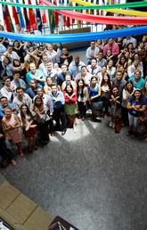 A group of X-Culture participants gets together for a group photo at a recent Global Symposium. Photo courtesy X-Culture