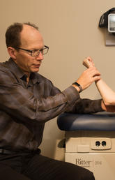 Dr. Kevin Hildebrand and patient