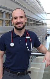 Cardiology trainee takes top spot in national research competition