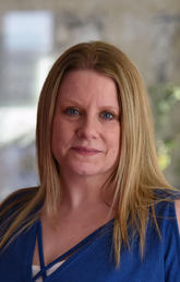 """Werklund School of Education Associate Dean Dr. Amy Burns, MA'01, PhD'08, who designed and teaches in a Werklund certificate program, """"Leading with Heart""""."""