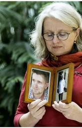 Victims of opioid crisis memorialized in online campaign: Moms Stop The Harm